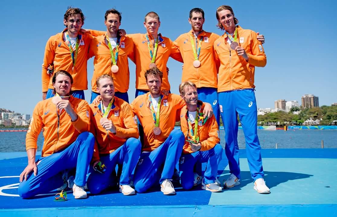Holland Acht met brons